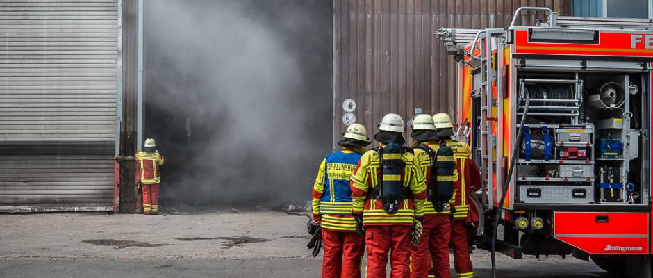 Feuer im Abfallwirtschaftszentrum Flensburg - Foto: Benjamin Nolte / www.bos-inside.de