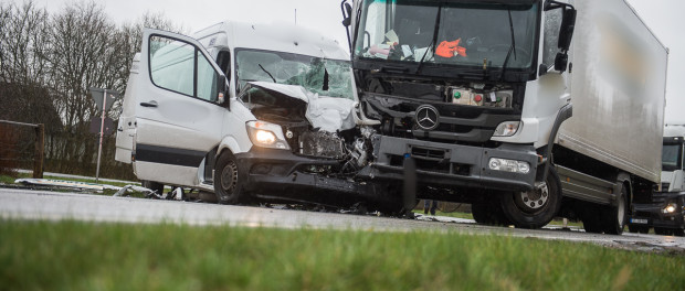 Zwei Verletzte bei schwerem Unfall in Sollerup | BOS-Inside